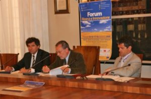 una foto della conferenza stampa di presentazione